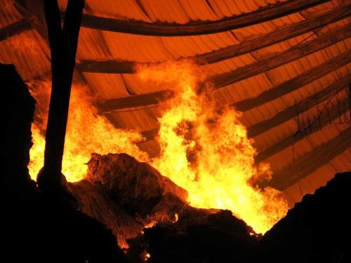 Đang cháy lớn ở thành phố Buôn Ma Thuột ảnh 1