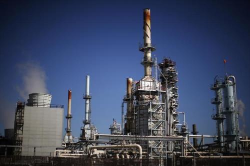"""Mỹ tăng sản lượng dầu, nhà đầu tư năng lượng """"bất an"""""""