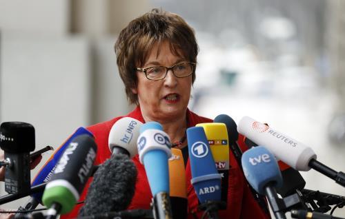 Bộ trưởng Kinh tế Đức Brigitte Zypries cảnh báo Đức có thể kiện Mỹ ra toàn. Ảnh: EPA