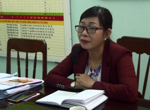 """180700 1 Bình Định :Lạm thu trong trường học """"Trên bảo dưới không nghe"""""""