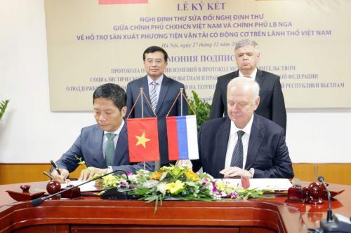 Nga giúp Việt Nam sản xuất ô tô, xe địa hình và xe chuyên dụng