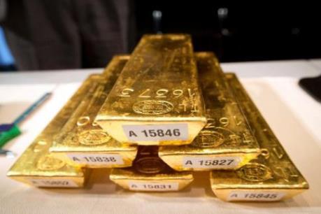 Giá vàng thế giới rơi xuống mức thấp nhất trong 10 tháng