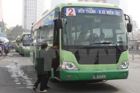 Vận tải hành khách công cộng bằng xe buýt giảm mạnh