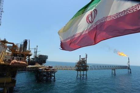 """Iran """"gọi vốn"""" cho gần 50 dự án dầu khí"""