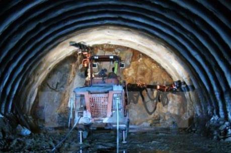 Hầm Chiêm Sơn được khai thông
