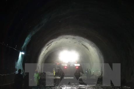 Mở rộng hầm đường bộ qua đèo Ngang