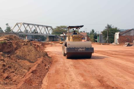 Sớm có mặt bằng sạch cho Dự án nâng cấp, mở rộng quốc lộ 1D