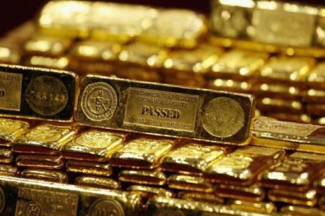 Giá vàng châu Á giao dịch gần mức thấp nhất trong một tháng