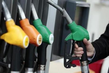 Tình trạng dư cung vẫn kìm chân giá dầu