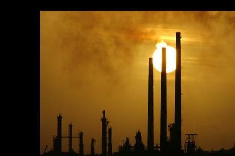 Giá dầu phục hồi nhẹ trên thị trường châu Á