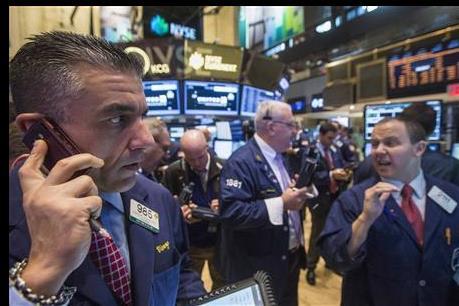 Làn sóng bán tháo cổ phiếu lan sang châu Á