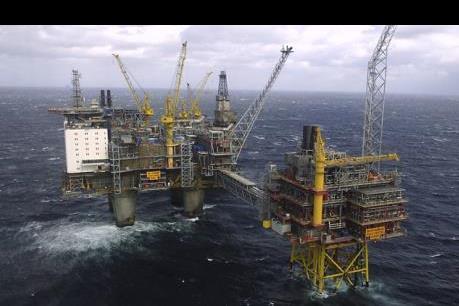 Giá dầu ngọt nhẹ và dầu Brent biến động ngược chiều