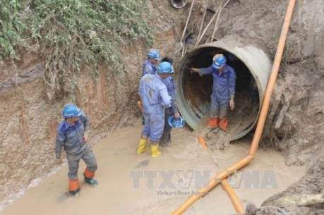 Vỡ đường ống phân phối nước sông Đà tại điểm siêu thị BigC