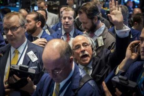 """Cổ phiếu của các """"đại gia"""" công nghệ đi xuống"""