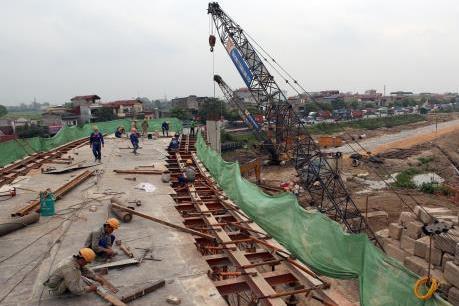 Tạm dừng thi công công trình cầu vượt Cầu Giấy-Hà Nội