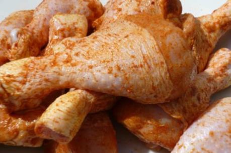 Cuba nối lại nhập khẩu thịt gà từ Mỹ