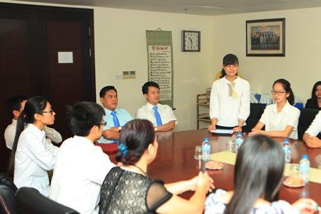 Tập đoàn Bảo Việt trao học bổng cho sinh viên xuất sắc
