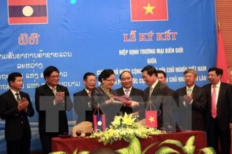 Phê duyệt Hiệp định Thương mại Biên giới Việt-Lào