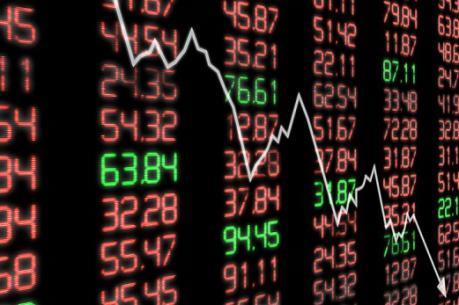 Các cổ phiếu dầu khí và ngân hàng đẩy VN-Index đi xuống