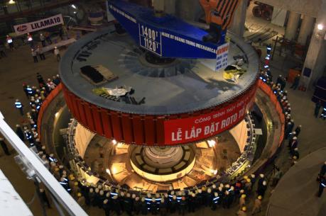 Lắp đặt thành công rotor tổ máy số 1 Thuỷ điện Lai Châu