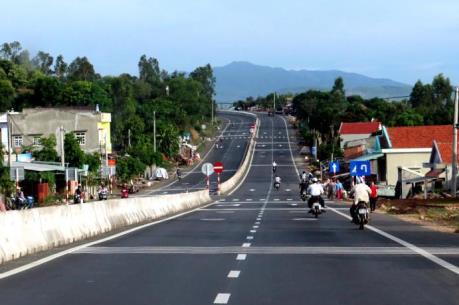 Thông xe dự án mở rộng quốc lộ 1 qua tỉnh Bình Định