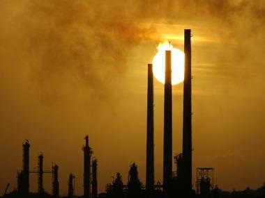 """""""Sức khỏe"""" của hai cường quốc kinh tế chi phối thị trường năng lượng"""