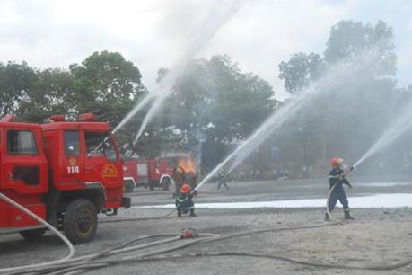 Hỏa hoạn thiêu rụi gần 1.000m2 nhà xưởng tại cụm làng nghề Ninh Sở, Hà Nội