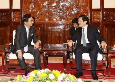 Chủ tịch nước tiếp Thống đốc tỉnh Kanagawa (Nhật Bản)
