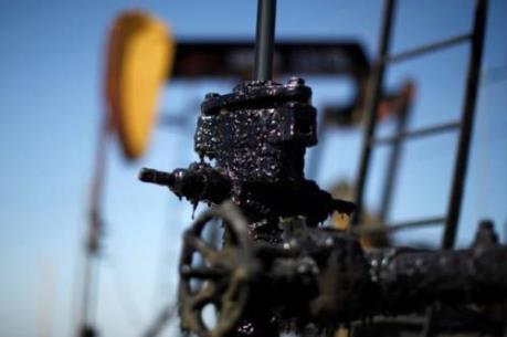 Giá dầu thế giới lao dốc sau báo cáo GDP của Trung Quốc