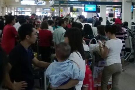 Hơn 13.300 chuyến bay chậm, bị hủy tại sân bay Tân Sơn Nhất