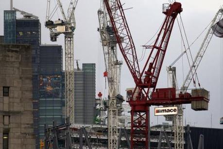 Ngành dịch vụ giúp kinh tế Anh tăng nhẹ trong quý III