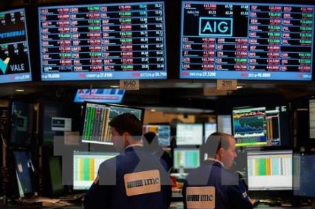 Phố Wall giảm nhẹ trước các báo cáo lợi nhuận trái chiều