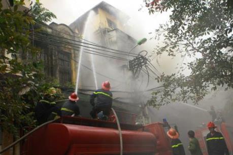 Cháy lớn tại cơ sở sản xuất hàng mã ở Thanh Hóa