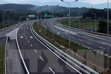 VEC thông tin vấn đề phá rào trên cao tốc Nội Bài - Lào Cai