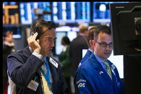 Nhóm cổ phiếu năng lượng kéo Dow Jones và S&P 500 giảm điểm