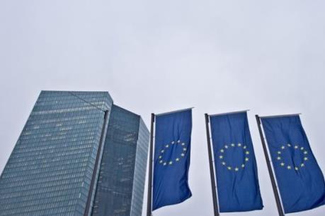 EU yêu cầu Hy Lạp hoàn tất tái cấp vốn cho các ngân hàng trong năm 2015