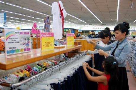 Ngày Vàng khuyến mại ở Hà Nội giảm giá đến 50%