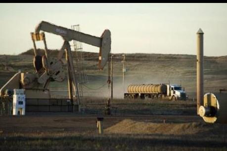 Giá dầu giảm sâu sâu sau thông tin OPEC đẩy mạnh khai thác