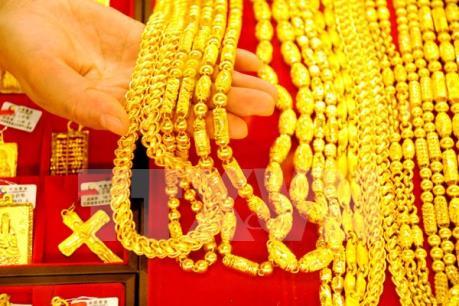Vàng rớt giá năm phiên liên tiếp