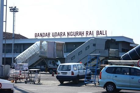Sân bay quốc tế ở Bali đóng cửa vì núi lửa phun trào