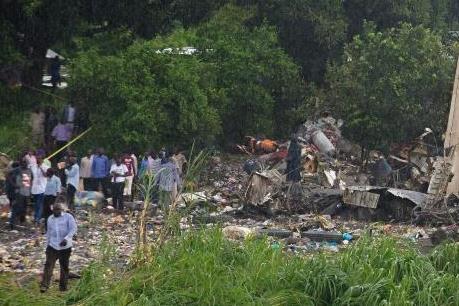 Vụ máy bay rơi ở Nam Sudan: Ba người sống sót