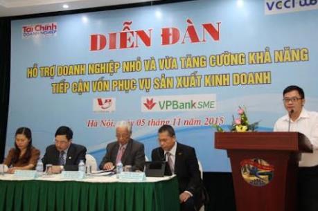 """Doanh nghiệp nhỏ và vừa """"chật vật"""" tiếp cận tín dụng ngân hàng"""