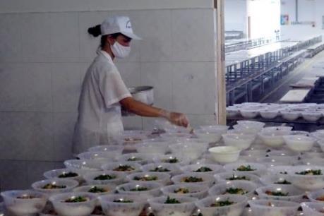Xử phạt nghiêm doanh nghiệp cung cấp thức ăn gây ngộ độc