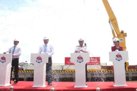 Khai trương cảng Thốt Nốt tiếp nhận tàu trọng tải lớn