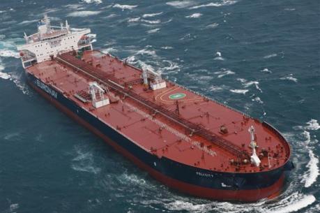 """Hơn 100 triệu thùng dầu thô đang """"lênh đênh"""" trên biển"""