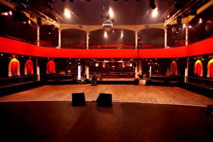 Khủng bố tại Paris: Diễn biến bên trong Nhà hát Bataclan