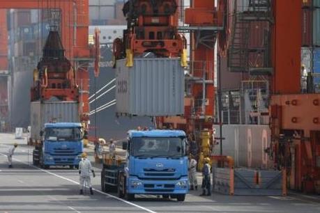 Nhật Bản: Xuất khẩu có thể giảm lần đầu tiên sau hơn một năm