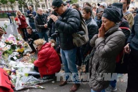 Vụ khủng bố tại Paris: Ít nhất 23 người nước ngoài thiệt mạng