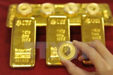 """Giá vàng chạm """"đáy"""" của sáu năm"""