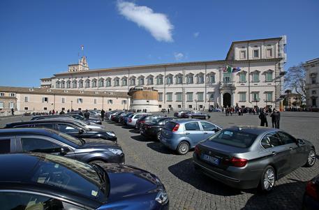 Italy đẩy mạnh cắt giảm xe công